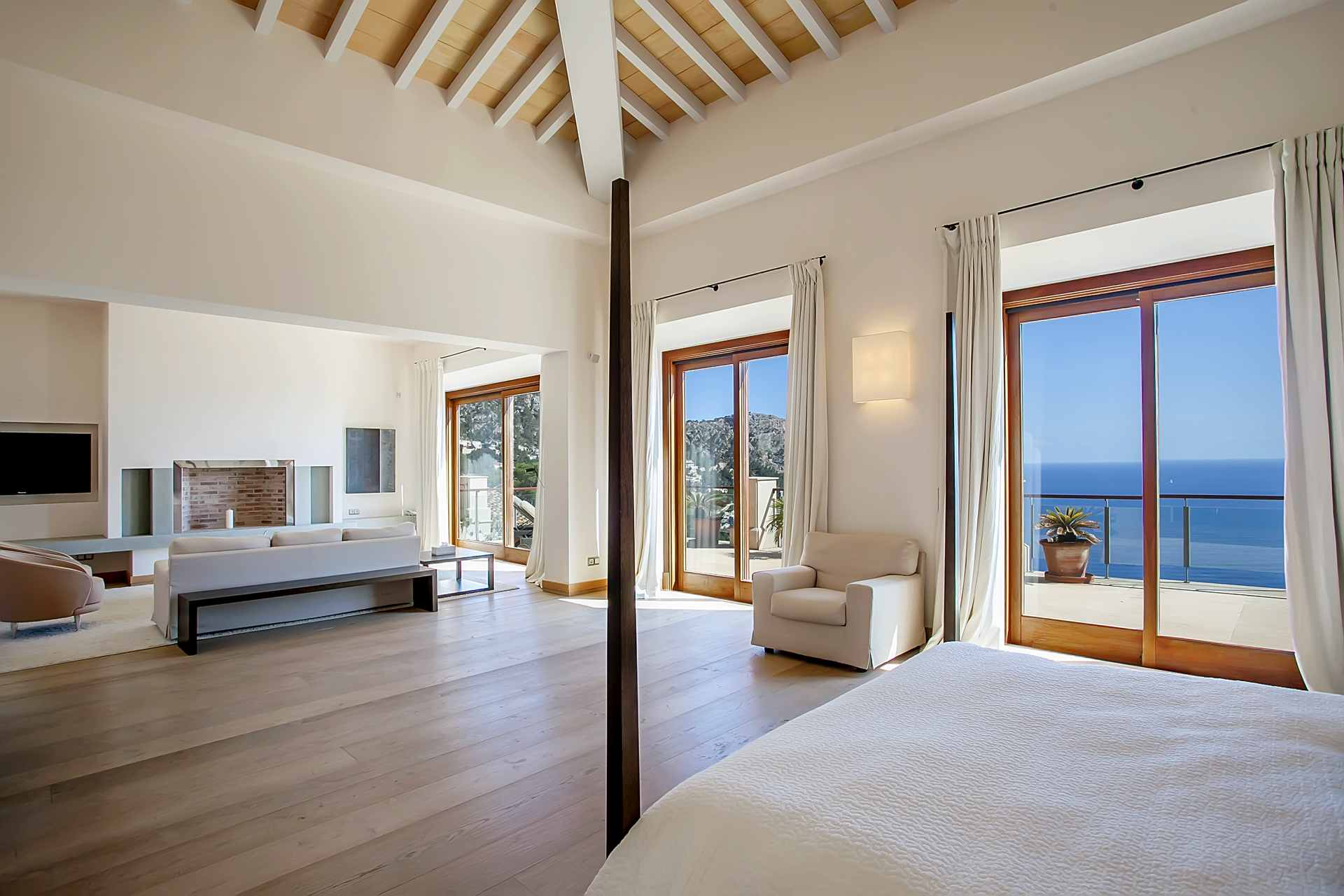 01-268 modern luxury Villa Mallorca southwest Bild 11