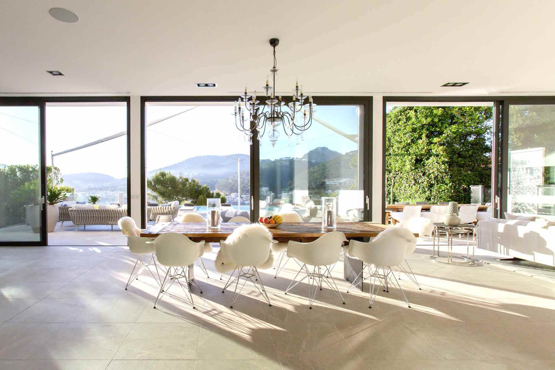 01-353 Villa with indoor pool Mallorca Southwest Bild 11