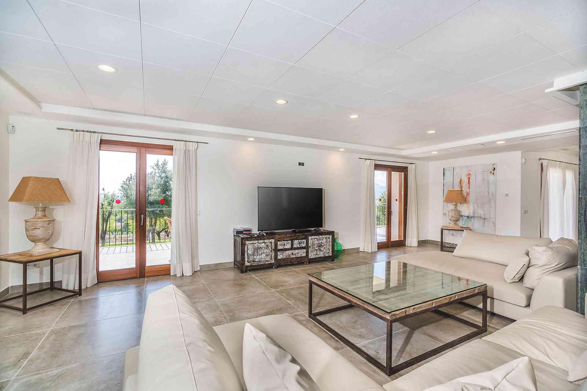 01-155 exklusive Luxus Villa Norden Mallorca Bild 12
