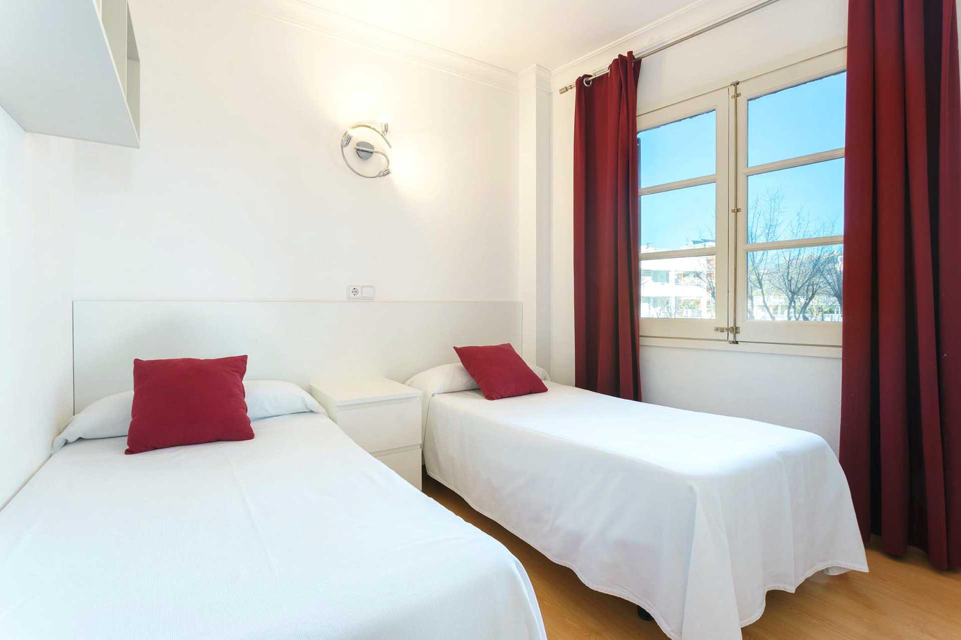 01-292 beachfront apartment Alcudia north Bild 14