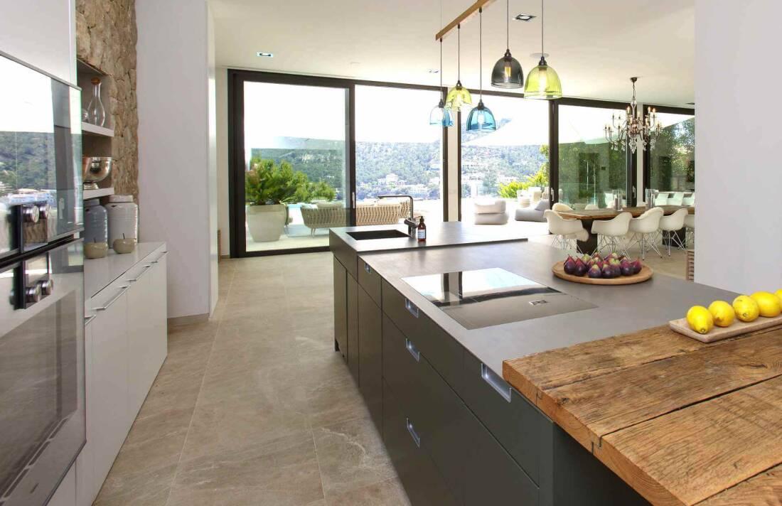 01-353 Villa with indoor pool Mallorca Southwest Bild 14