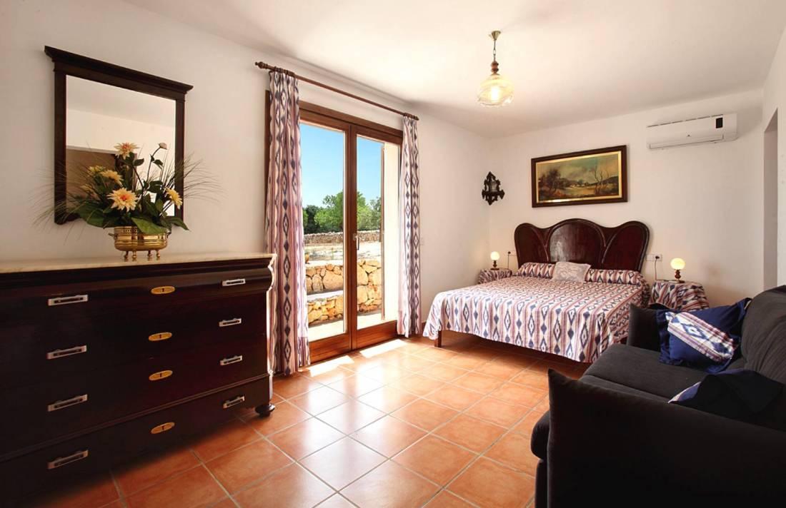01-142 Rustic farmhouse Mallorca east Bild 12