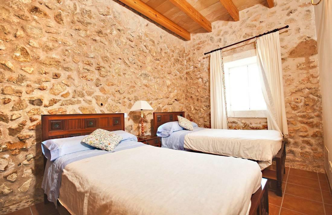 01-213 Moderne Finca Mallorca Norden Bild 15