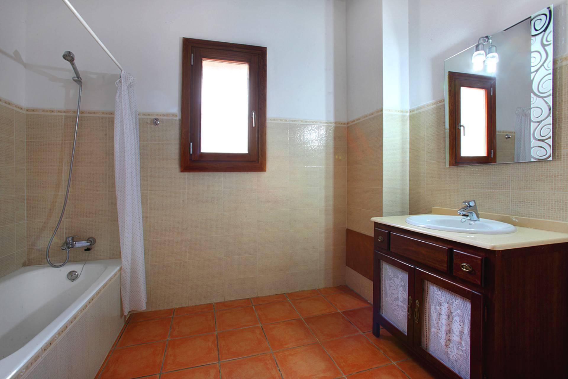 01-142 Rustic farmhouse Mallorca east Bild 13
