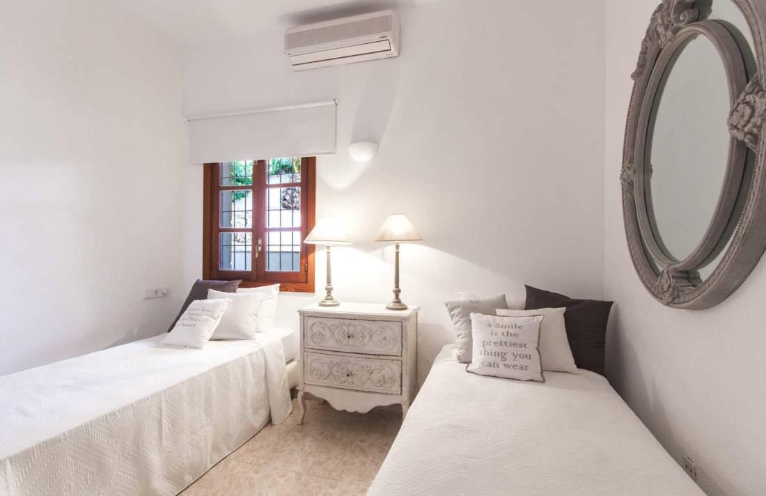 01-305 romantische Villa Südwesten Mallorca Bild 16