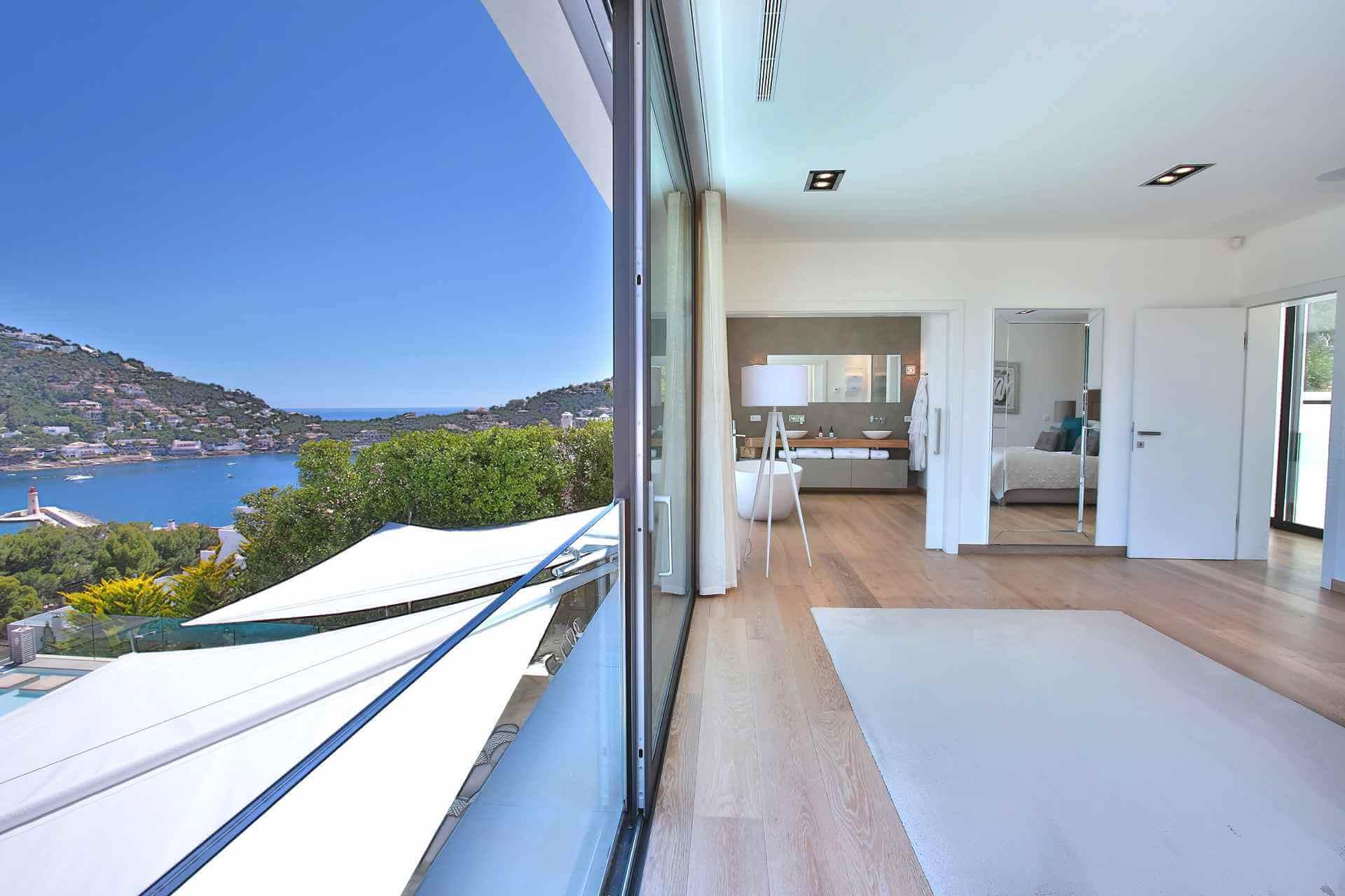 01-353 Villa with indoor pool Mallorca Southwest Bild 16
