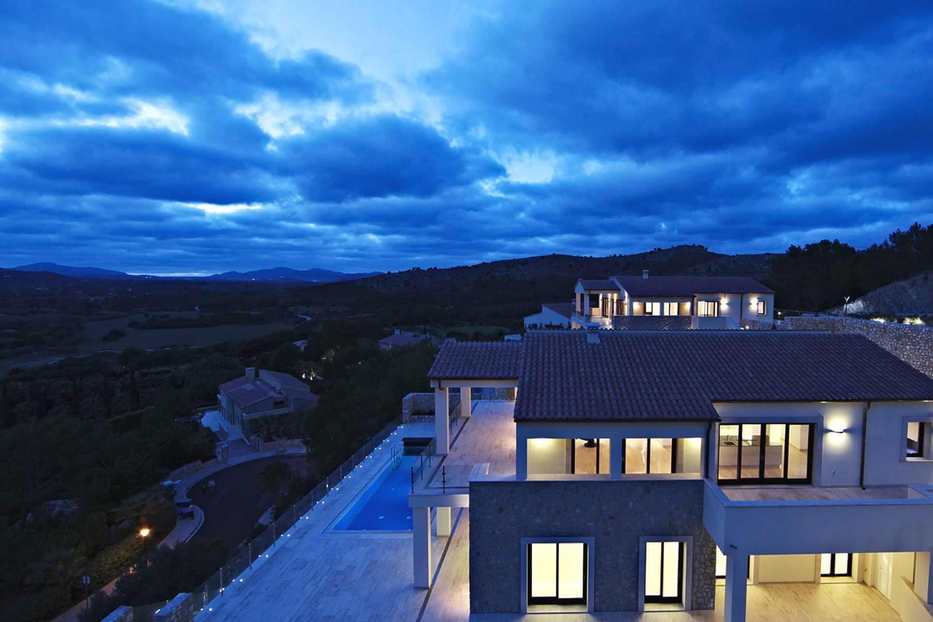 01-328 Villa mit Ausblick Nordosten Mallorca Bild 17
