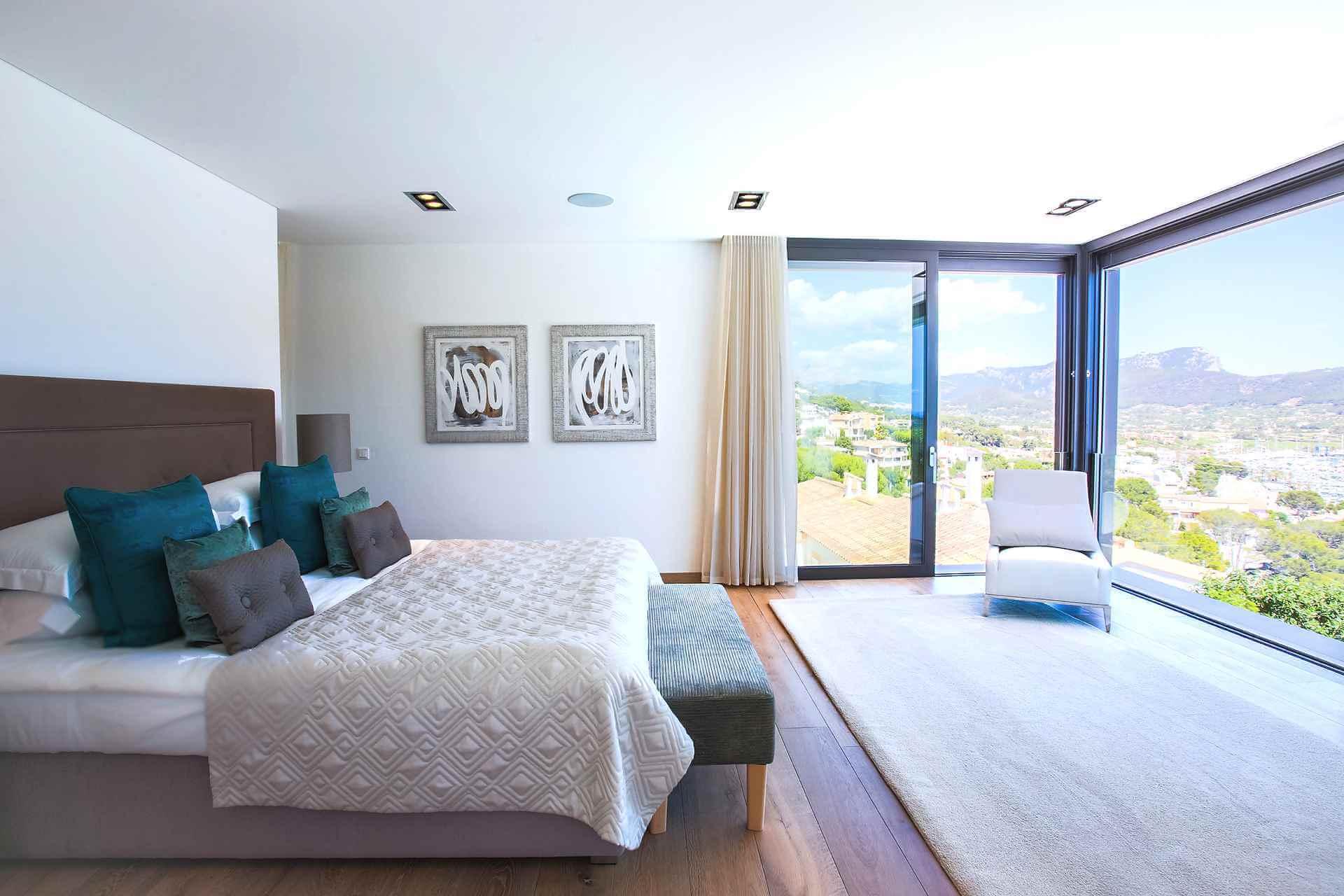 01-353 Villa with indoor pool Mallorca Southwest Bild 18