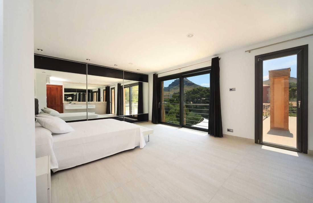 01-35 Villa Mallorca Norden mit Pool Bild 19