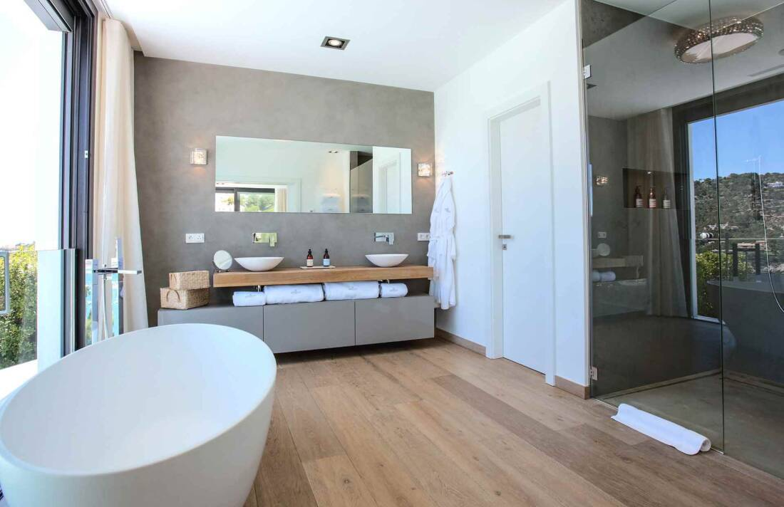 01-353 Villa with indoor pool Mallorca Southwest Bild 19