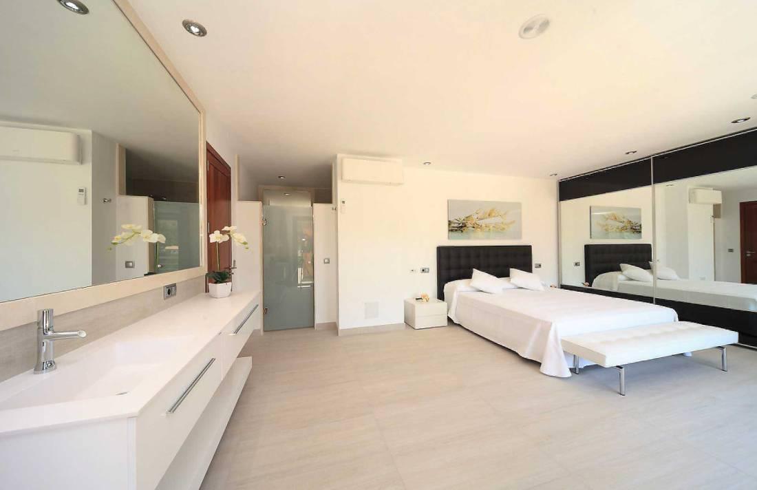 01-35 Villa Mallorca Norden mit Pool Bild 20