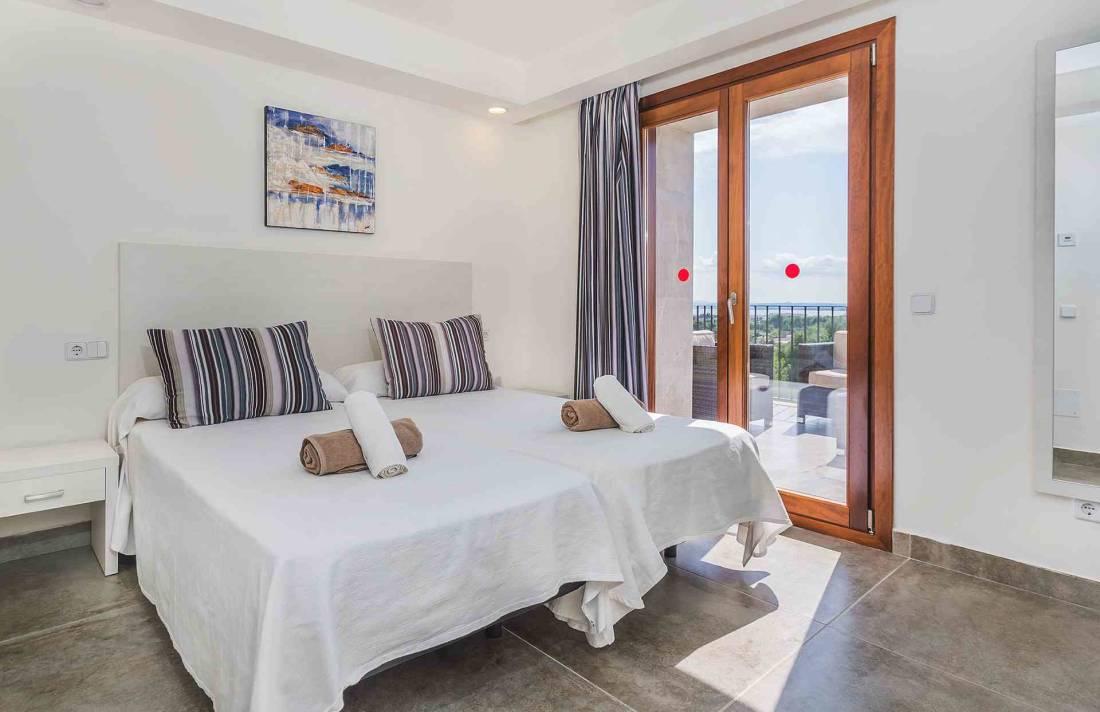 01-155 exklusive Luxus Villa Norden Mallorca Bild 21