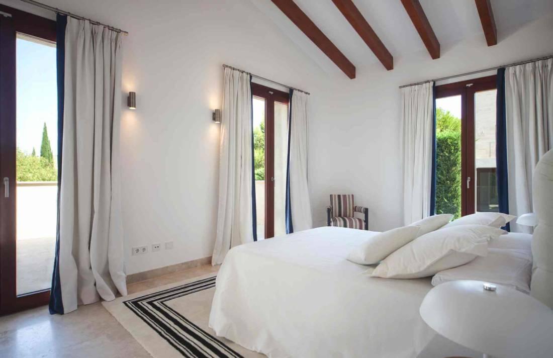01-329 exklusive Villa Mallorca Nordosten Bild 21