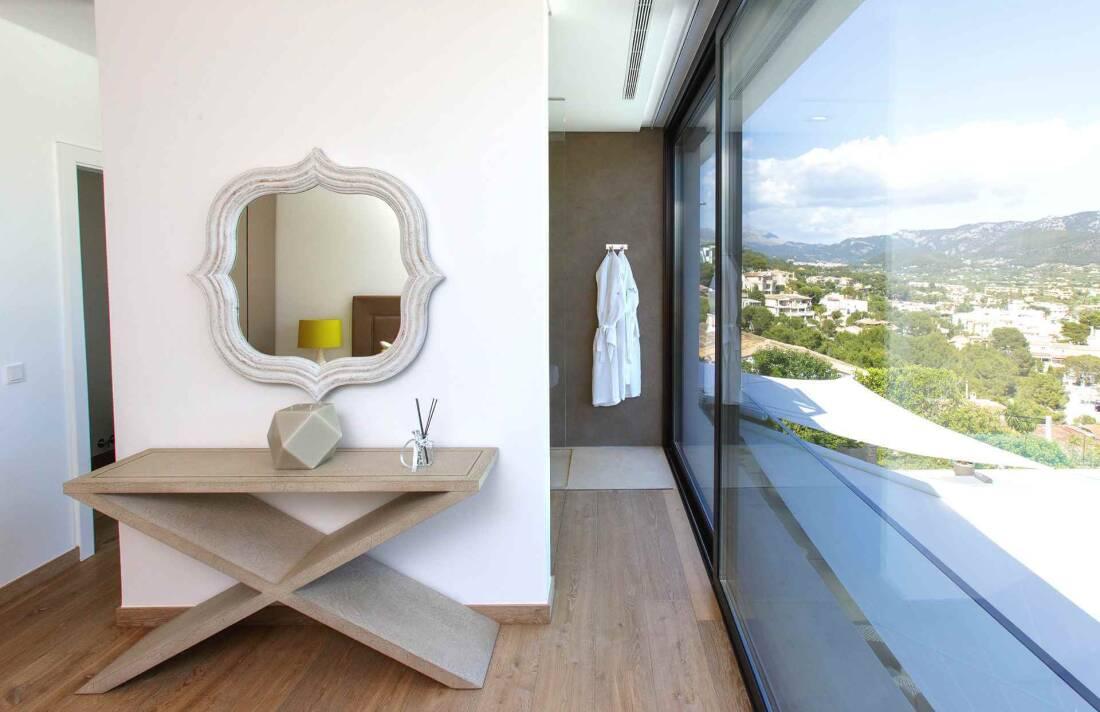 01-353 Villa with indoor pool Mallorca Southwest Bild 21