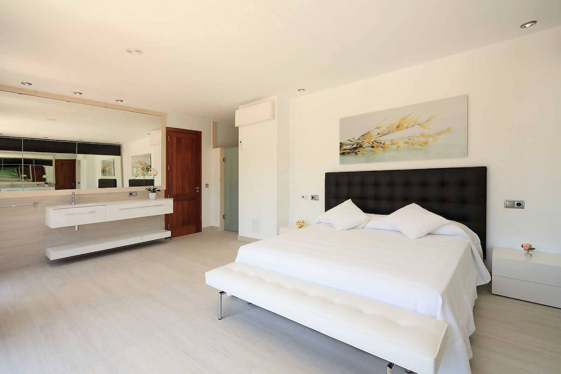 01-35 Villa Mallorca Norden mit Pool Bild 22