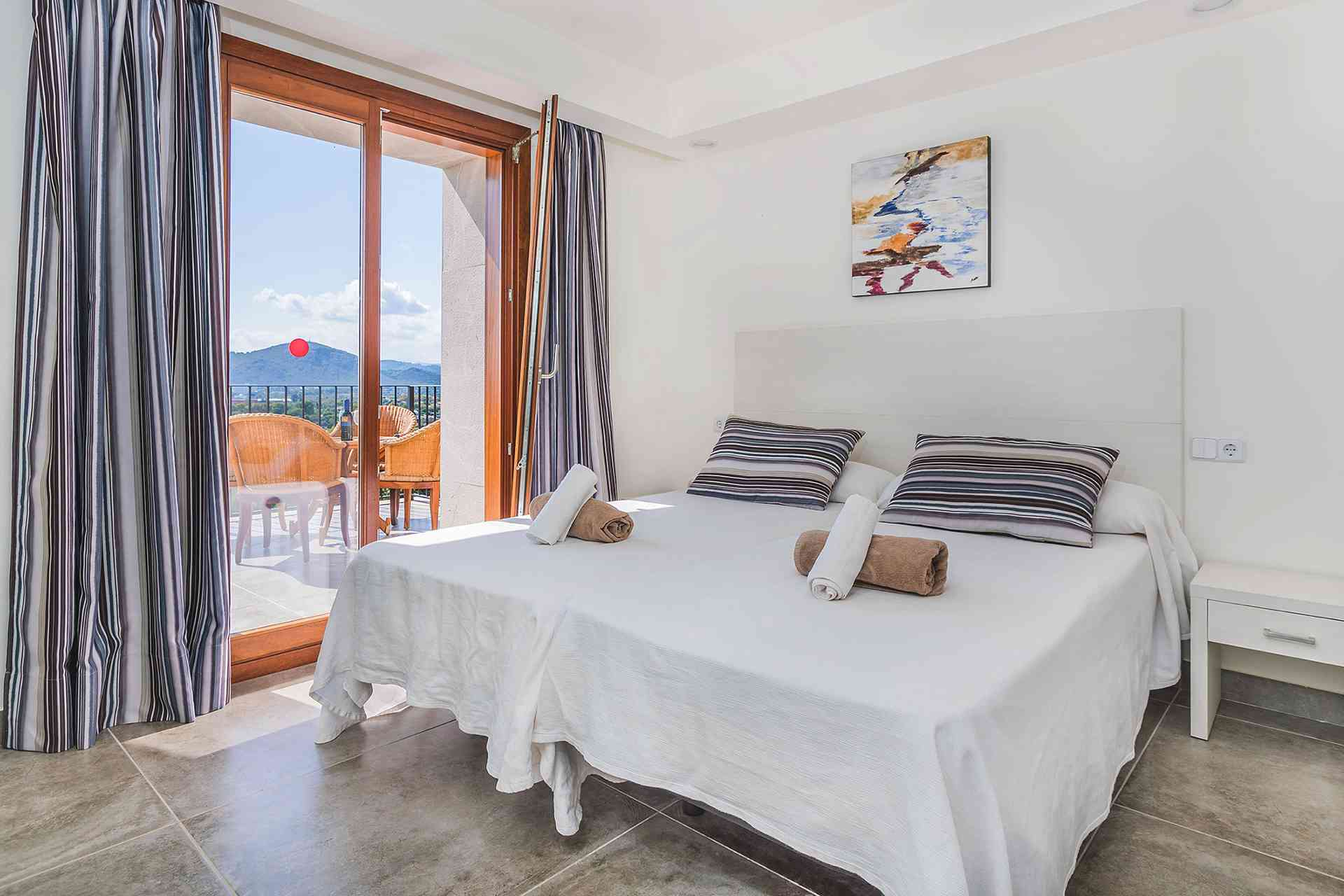 01-155 exklusive Luxus Villa Norden Mallorca Bild 22