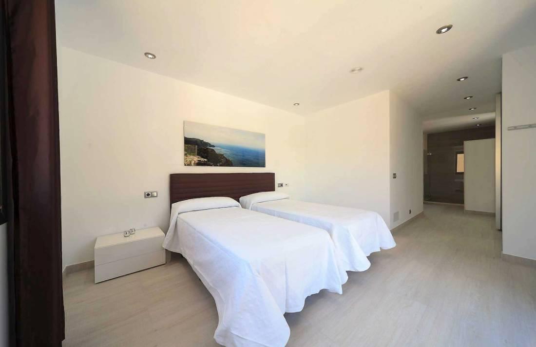 01-35 Villa Mallorca Norden mit Pool Bild 23