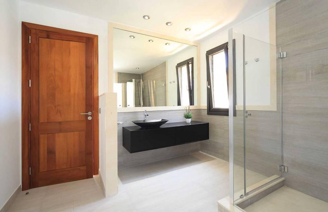 01-35 Villa Mallorca Norden mit Pool Bild 24