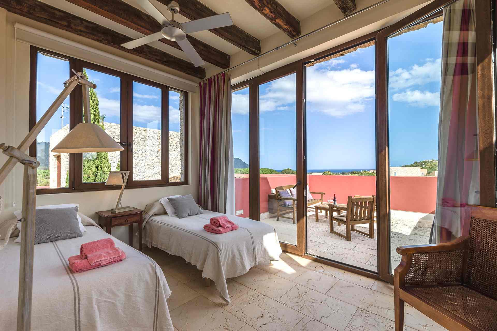 01-94 Elegante Finca Mallorca Nordosten Bild 24