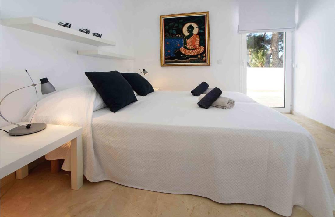 01-156 moderne Meerblick Villa Mallorca Osten Bild 26