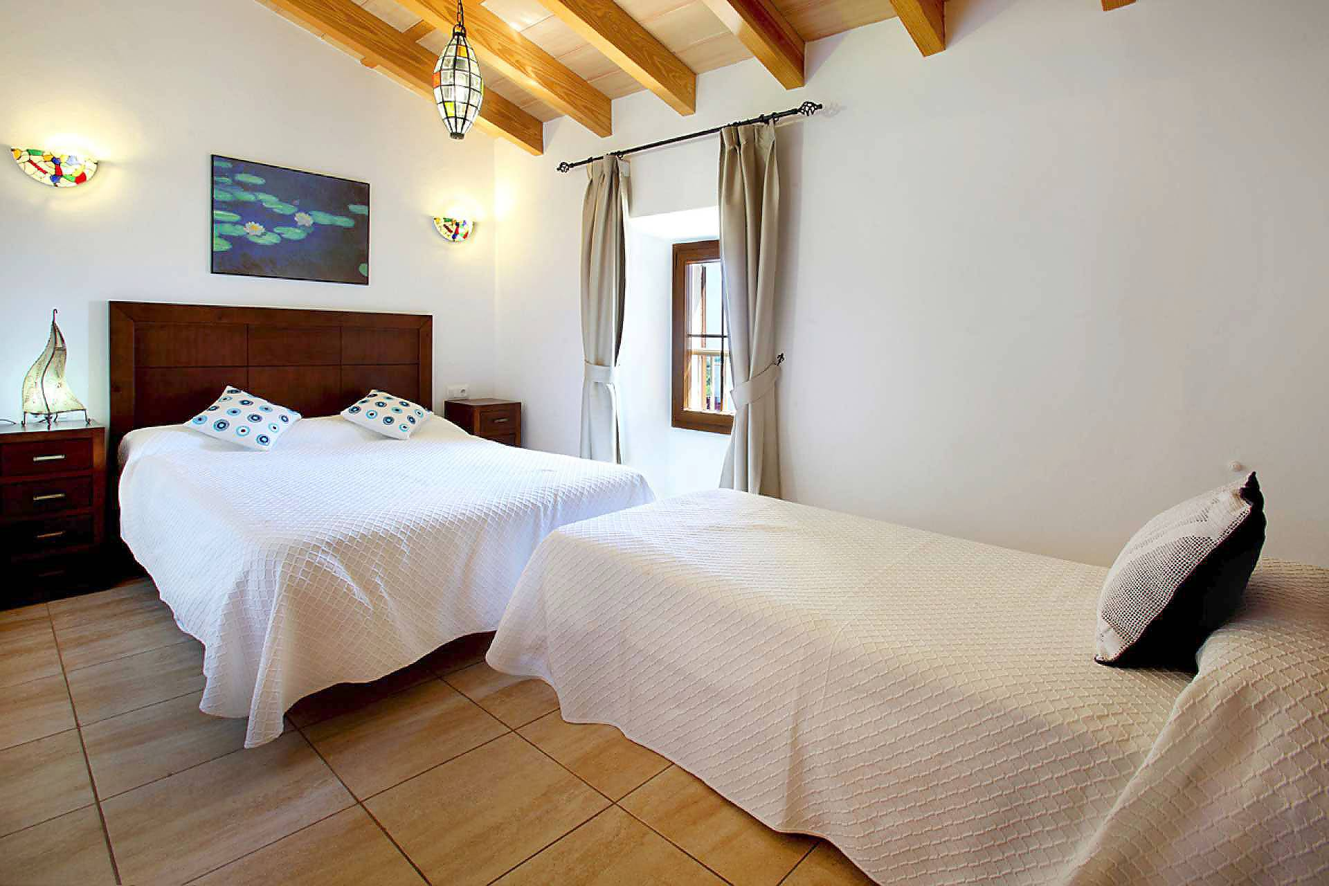 01-33 Großzügiges Ferienhaus Mallorca Osten Bild 33