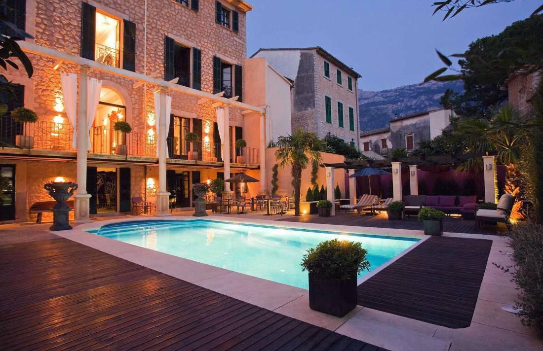 01-72 Luxus Villa Mallorca Westen Bild 1