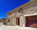 01-83 ländliches Stadthaus Mallorca Norden Vorschaubild 3
