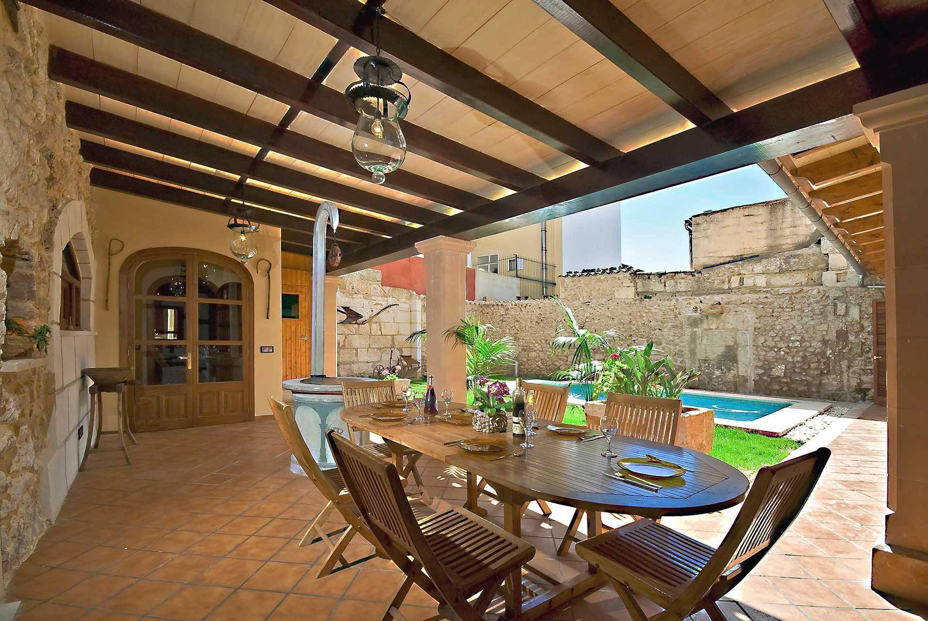 01-83 ländliches Stadthaus Mallorca Norden Bild 7