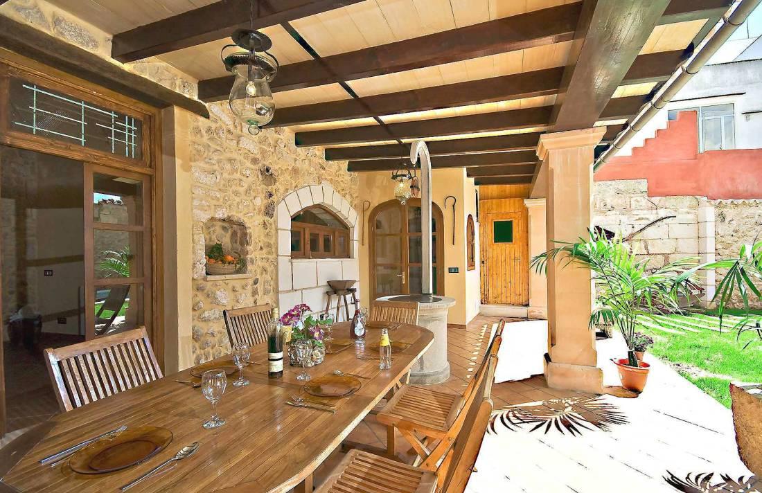 01-83 ländliches Stadthaus Mallorca Norden Bild 8