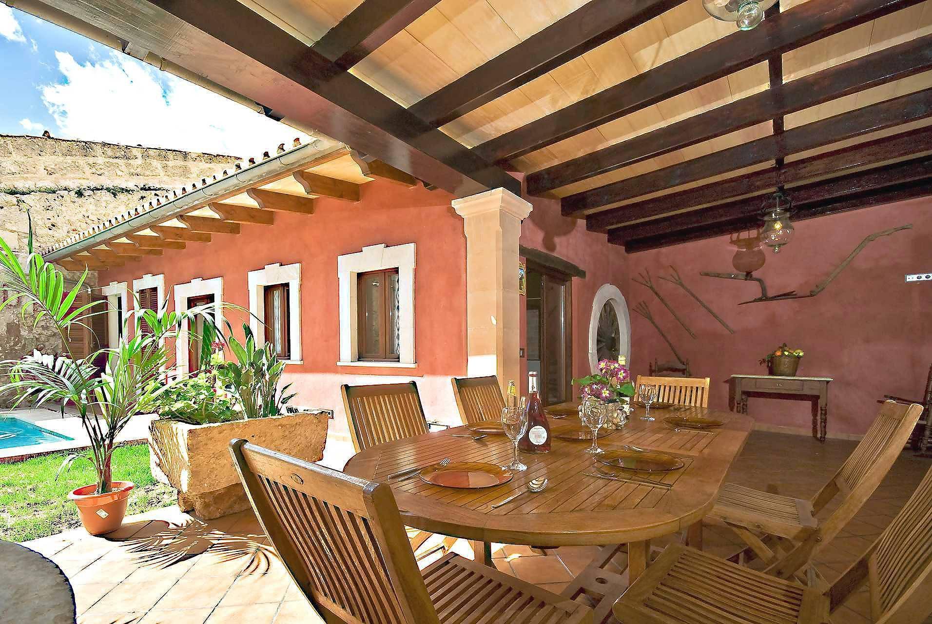 01-83 ländliches Stadthaus Mallorca Norden Bild 9