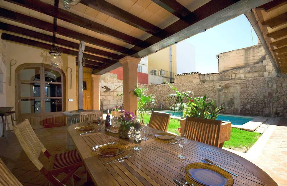 01-83 ländliches Stadthaus Mallorca Norden Bild 10