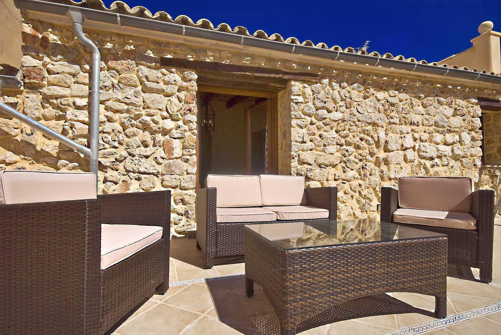 01-83 ländliches Stadthaus Mallorca Norden Bild 13