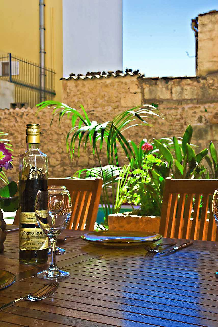 01-83 ländliches Stadthaus Mallorca Norden Bild 15
