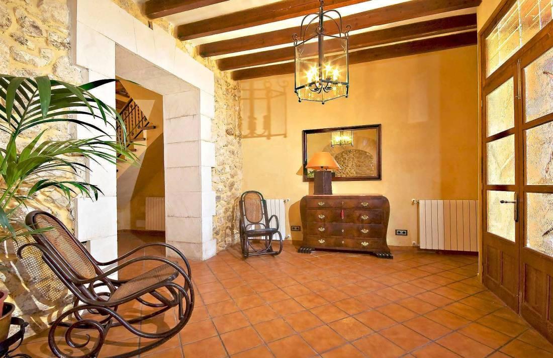 01-83 ländliches Stadthaus Mallorca Norden Bild 17