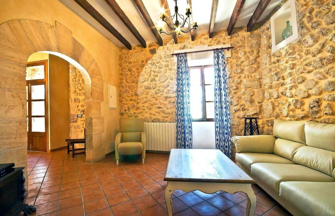 01-83 ländliches Stadthaus Mallorca Norden Bild 18