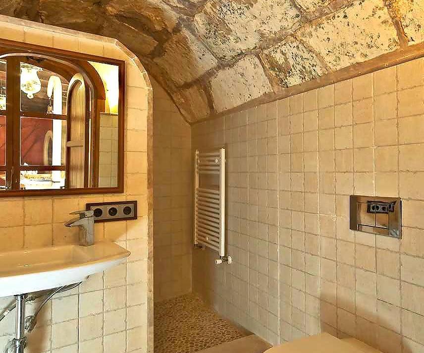 01-83 ländliches Stadthaus Mallorca Norden Bild 27