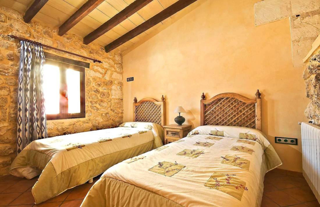 01-83 ländliches Stadthaus Mallorca Norden Bild 29