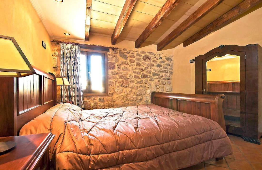 01-83 ländliches Stadthaus Mallorca Norden Bild 32
