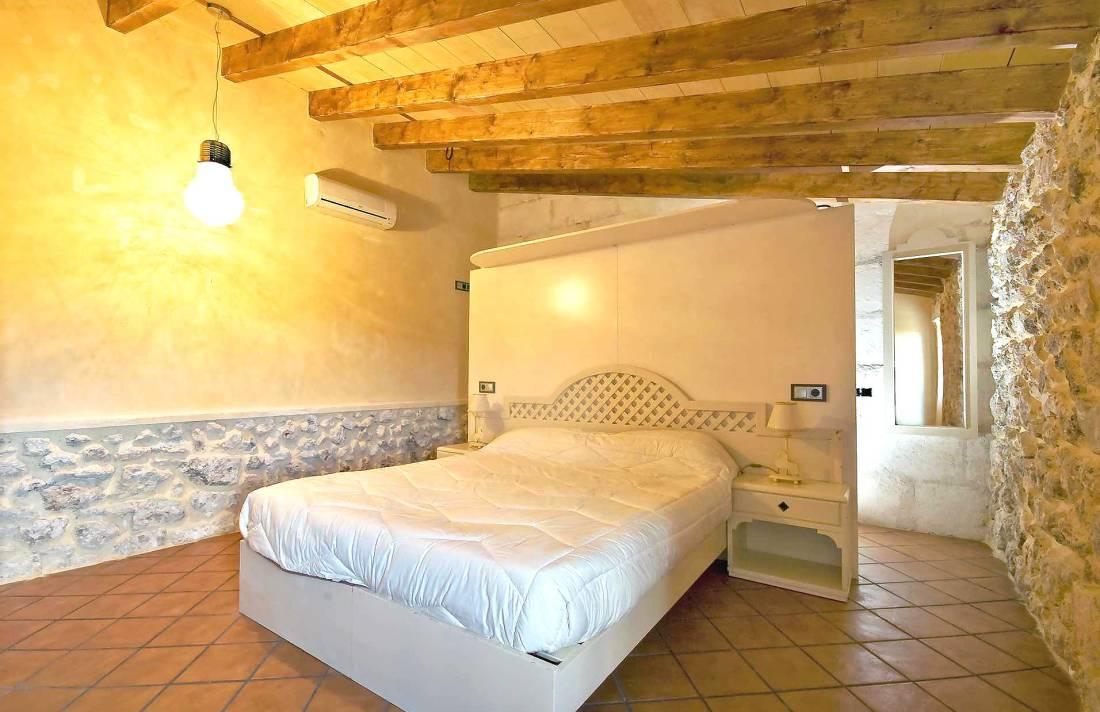 01-83 ländliches Stadthaus Mallorca Norden Bild 40