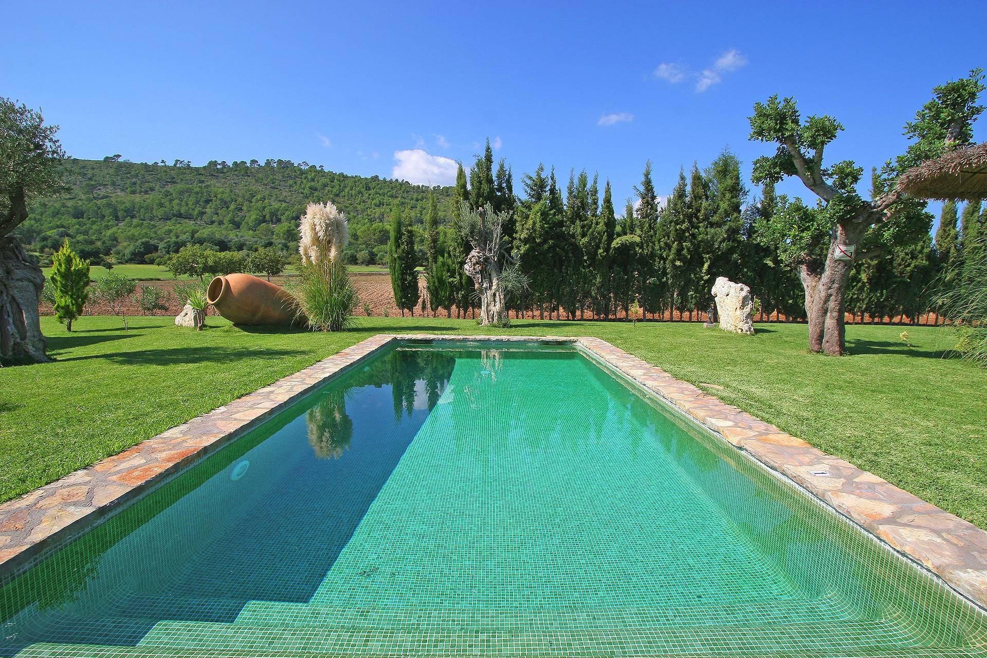 01-55 Familienfreundliche Finca Mallorca Norden Bild 1